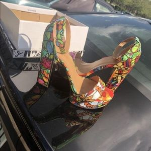 Size 9 multi colored heels